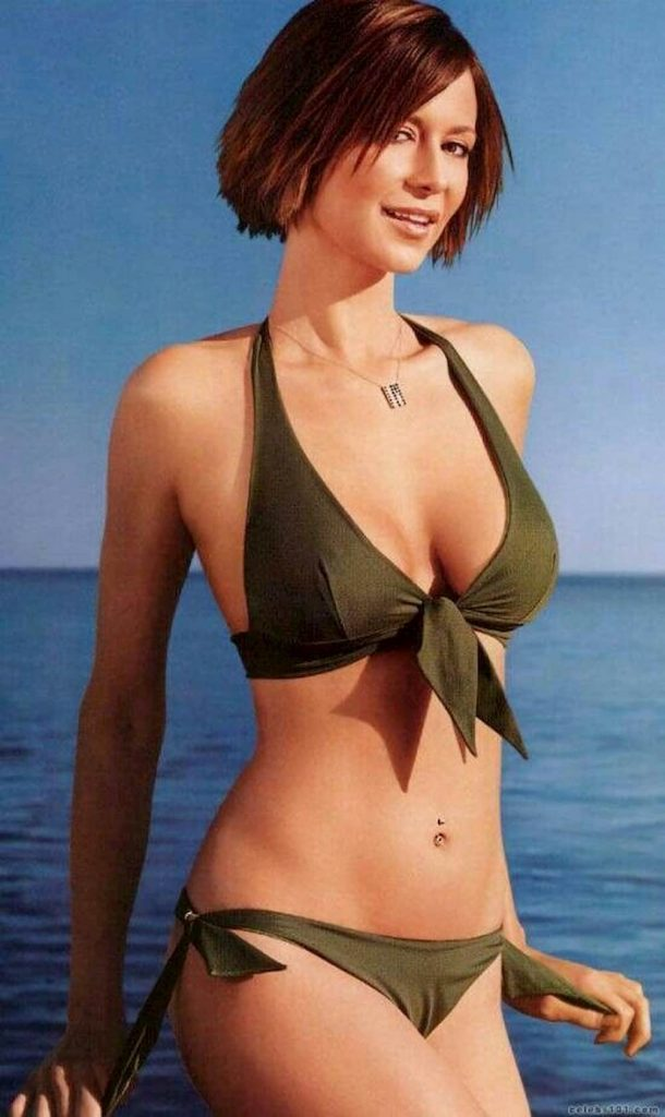 What is Catherine Bell measurements like height, weight, age, shoe size, bra, breast size, dress size, favorite things, body measurements
