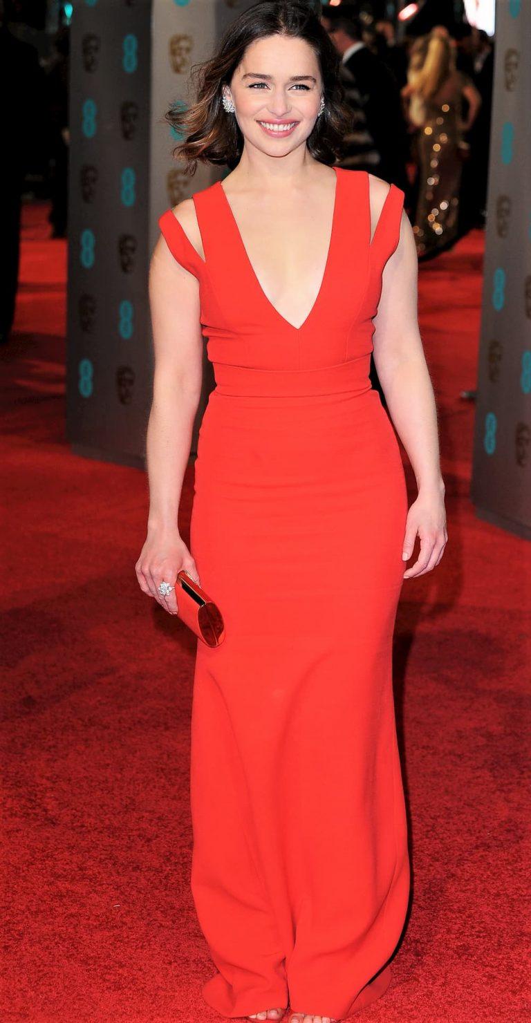 Emilia Clarke Height, Weight, Age, Measurements, Wiki