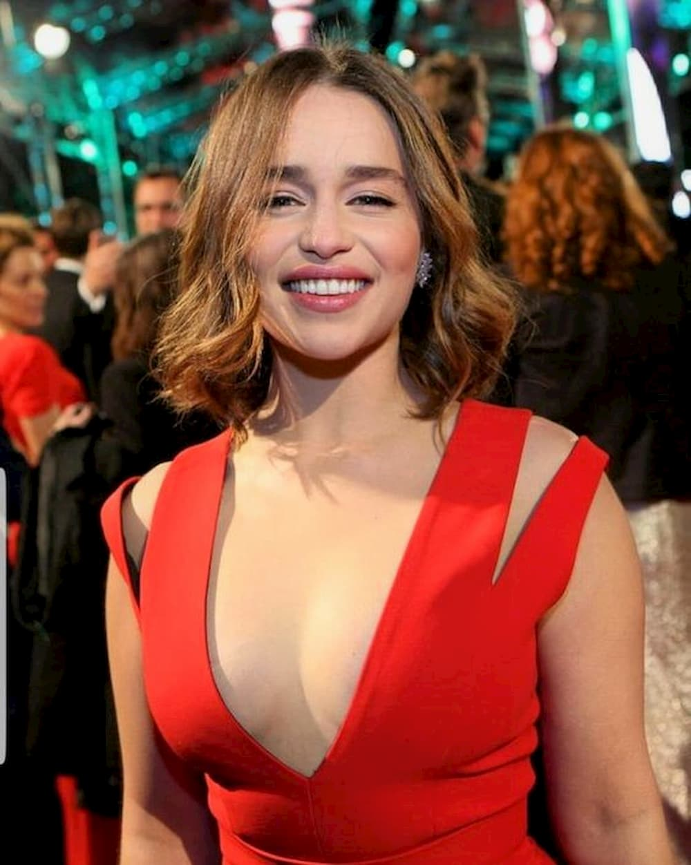 Emilia Clarke Measurements Height Weight Bra Size Age Wiki