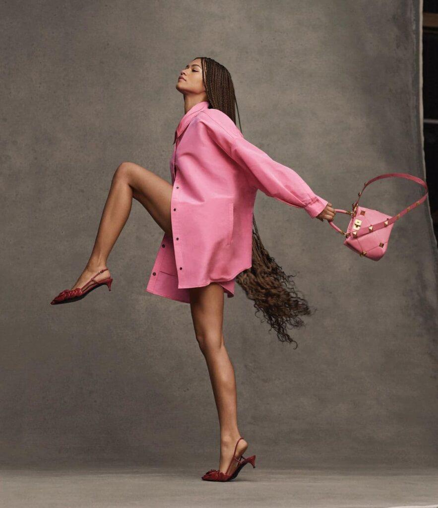 Zendaya Measurements Height, Weight, Age, Feet Size, and Net ...