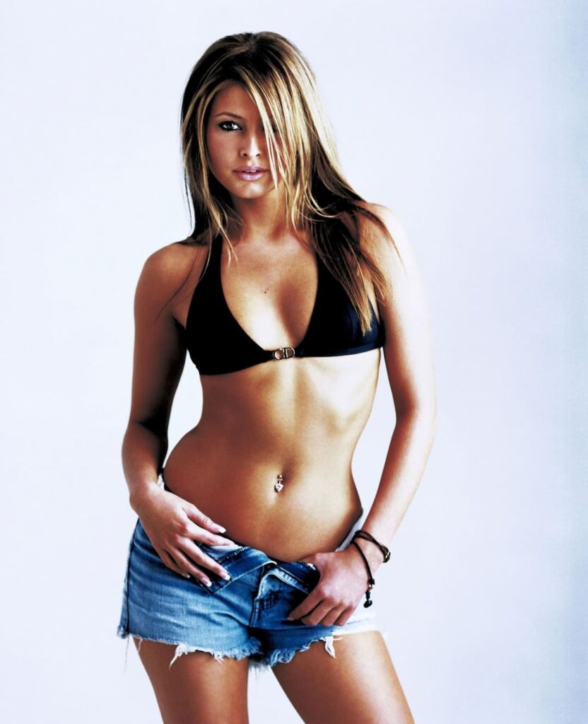 best hollywood actresses, body measurements, Celebrity Diet Plan, celebrity workout routine, famous hollywood stars, female hollywood stars, Holly Valance, Holly Valance Diet Plan, Holly Valance Workout Routine, hollywood celebrities, hot hollywood actresses, hottest celebrities, most famous hollywood actresses, top female hollywood stars